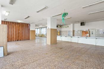 Interiér prostory restaurace - Prodej obchodních prostor 4000 m², České Budějovice