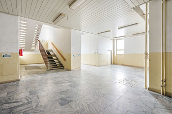 Interiér - Prodej obchodních prostor 4000 m², České Budějovice