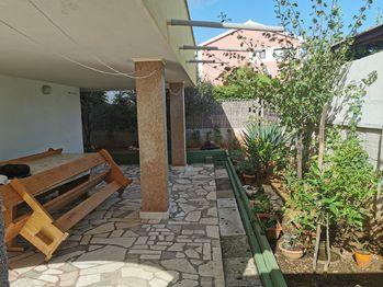 Prodej domu 243 m², Slatine