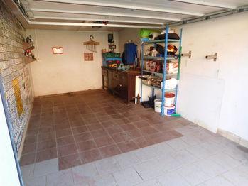 Prodej garáže 21 m², Dobronín