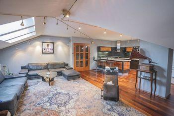 Prodej domu 609 m², Senohraby