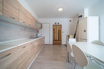 Prodej bytu 4+1 v osobním vlastnictví, 327 m2, Rozsochy