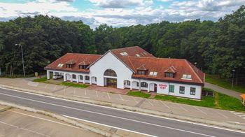 Pronájem komerčního prostoru (obchodní), 775 m2, Břeclav
