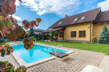 Prodej domu, 255 m2, Šestajovice